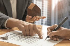 jak korzystnie sprzedać nieruchomość umowa pośrednictwa REMAX Polska