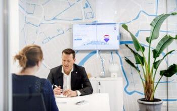 biuro nieruchomosci franczyza remax branding biura